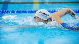 El patrocinio de ProMinent se puede ver en todo el mundo sobre la equipación deportiva y el gorro de Sarah Köhler.